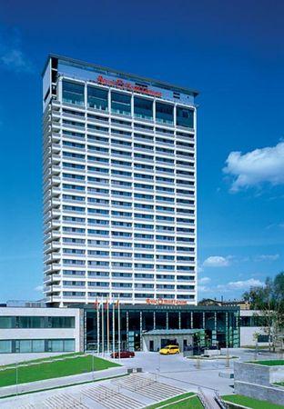vilnius airport to radisson blu hotel